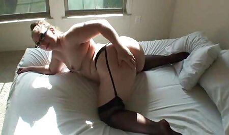 خدمتکار در عکس های سکسی حرکتی الاغ لعنتی است.