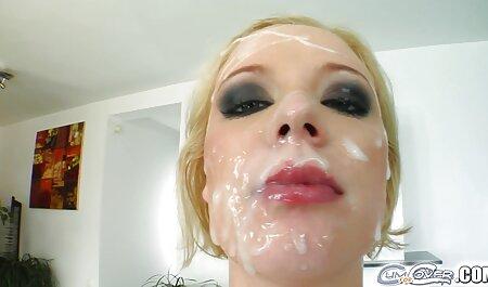 شوهرش را با یک فیلم سکس زن با سک معشوق گرفت.
