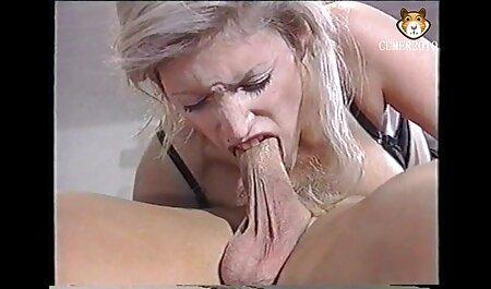 سکس با مو عکس سکسی شکیرا قرمز در جوراب ساق بلند.