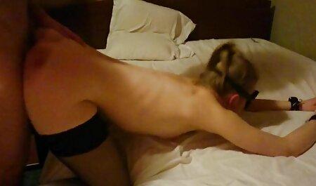 بالغ در جوراب ساق بلند در اسارت یک عاشق. عکس های سکسی پورن استارها