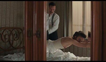 لزبین های عکس سکسی کیفیت بالا روسی روی تختخواب رابطه جنسی دارند.