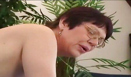 سکس لزبین هنگام فیلم سکس دوجنسه انجام ژیمناستیک.