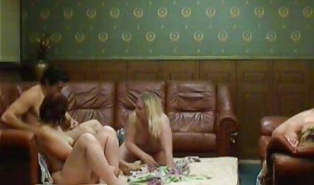دوست پسر دوست دختر خود را در دانلود فیلم سکس اینستاگرام نزدیکی استخر کاشت می کند.