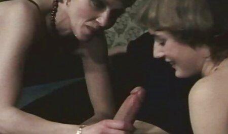 دوست دخترها دیلدوها را در الاغ عکس سکسی جدید خفن قرار می دهند.