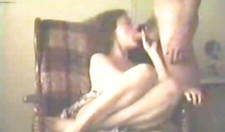 ناپدری در هنگام داشتن رابطه جنسی روی عکس سکسی جنیفر لوپز نیمکت ، ناپدری را مجازات می کند.
