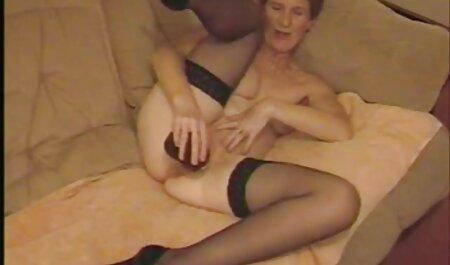 چک با یک خال کوبی عکس سکس دونفره فاقد لباس است.