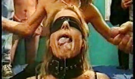 مادر جنسیت دختر عکسهای سکسی بکن بکن خود را آموزش می دهد.