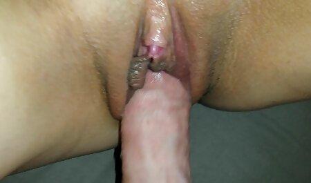 و آلت تناسلی مرد را می مکید و عکس سکس با کیر بزرگ به خوبی fucks می کند.