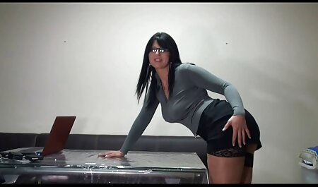 سکسولوژیست مشتری را عکسهای سکسی داغ فری می کند