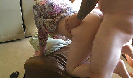 Blowjob فالوس را عکس سکسی ترین زن جهان می خورد.