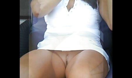 بریتنی کهبر دانلود عکسهای سکسی خود را به ارگاسم می آورد.